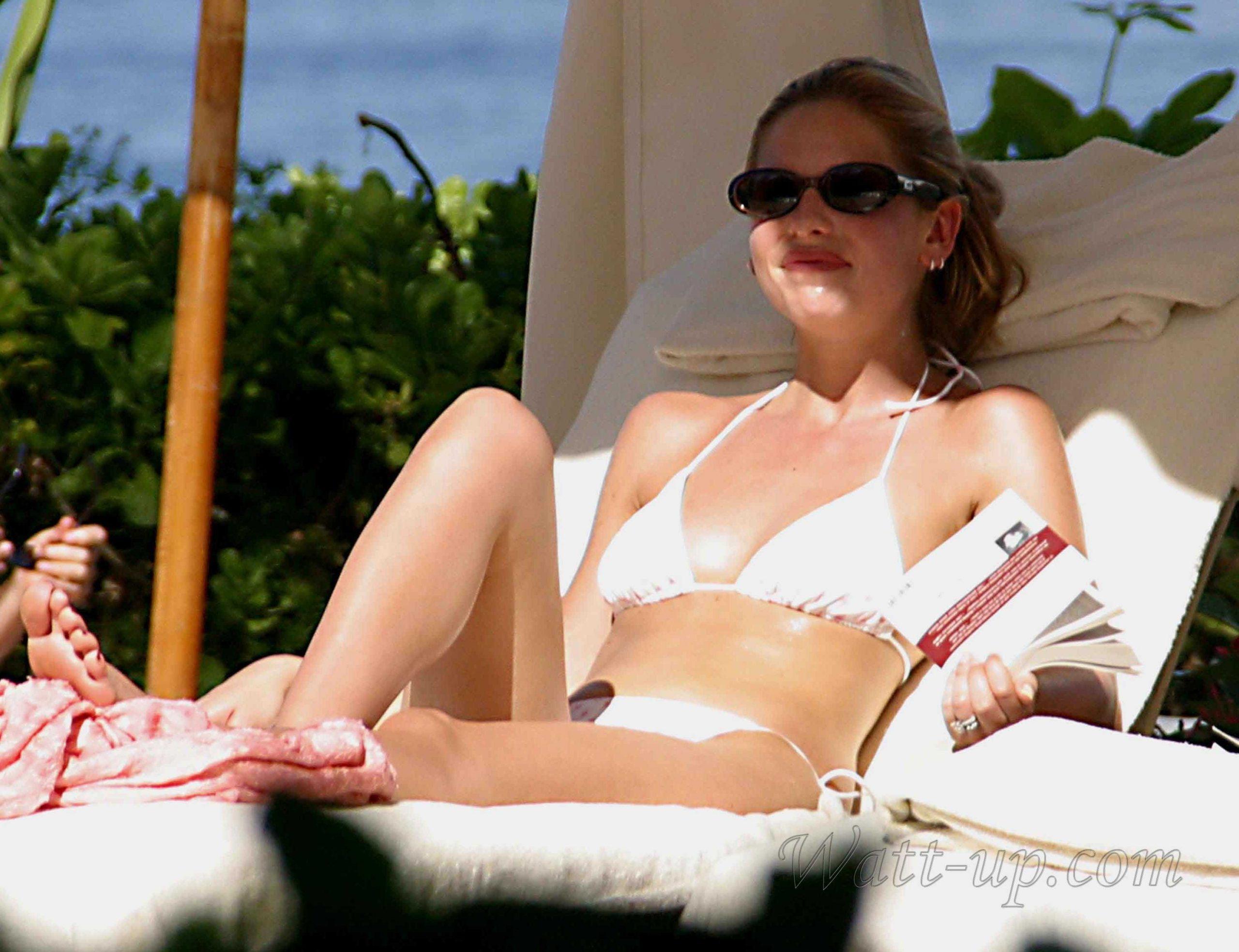 Sarah Michelle Gellar sexy bikini