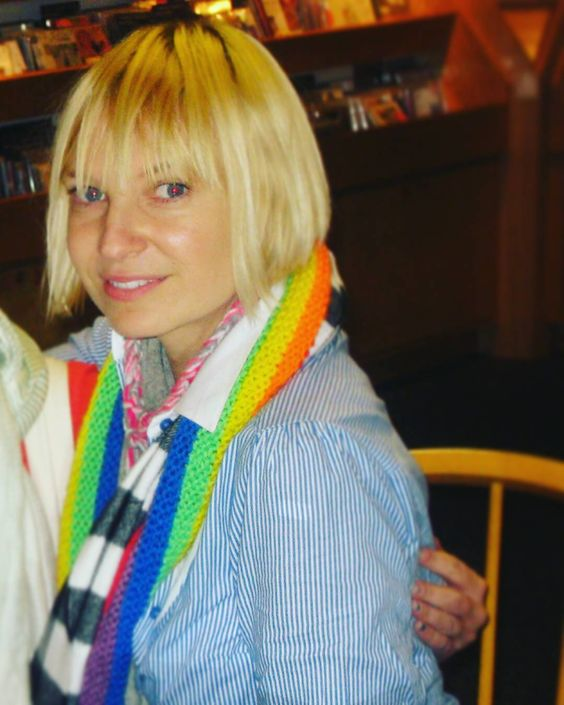 Sia-Furler-too-sexy-picture