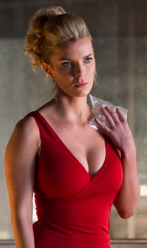 betty-gilpin-sexy-boobs-pic