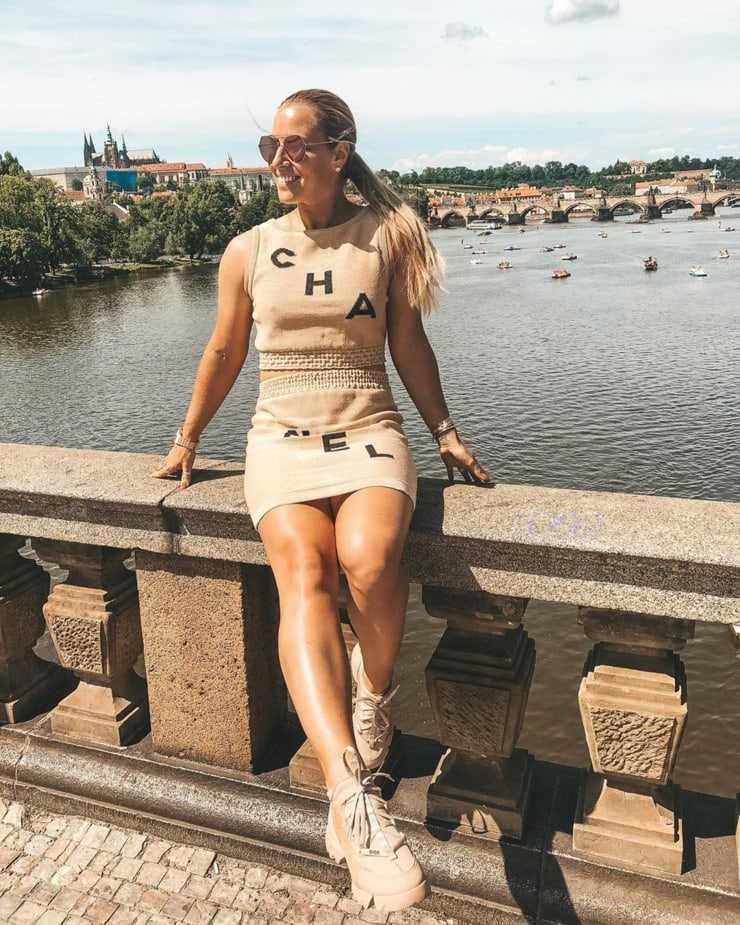 dominika cibulkova thighs