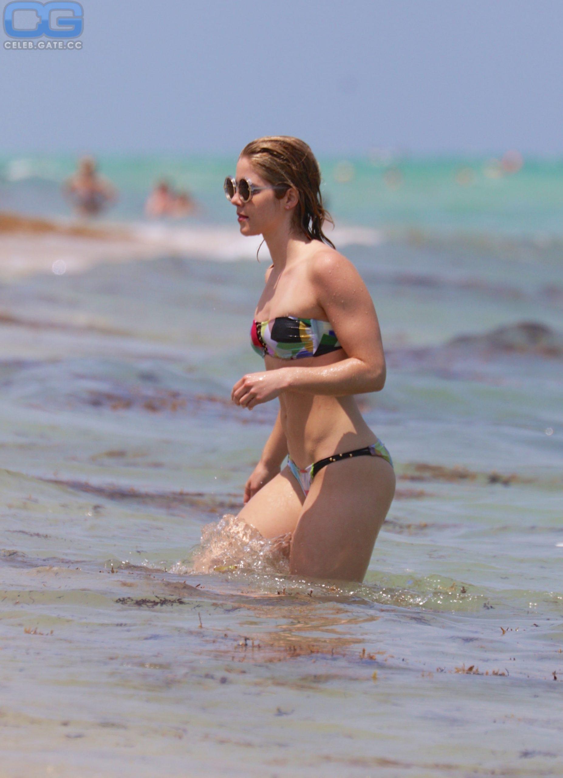 emily-bett-rickards-bikini-