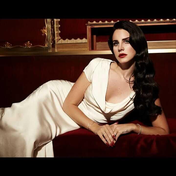 Lana Del Rey hot cleavage