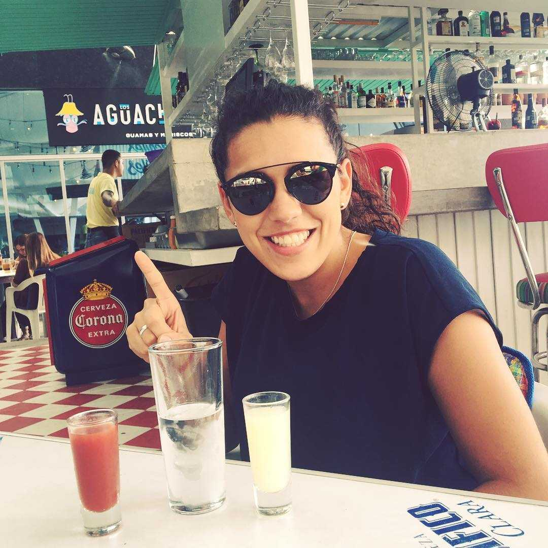 nayeli rangel drinking