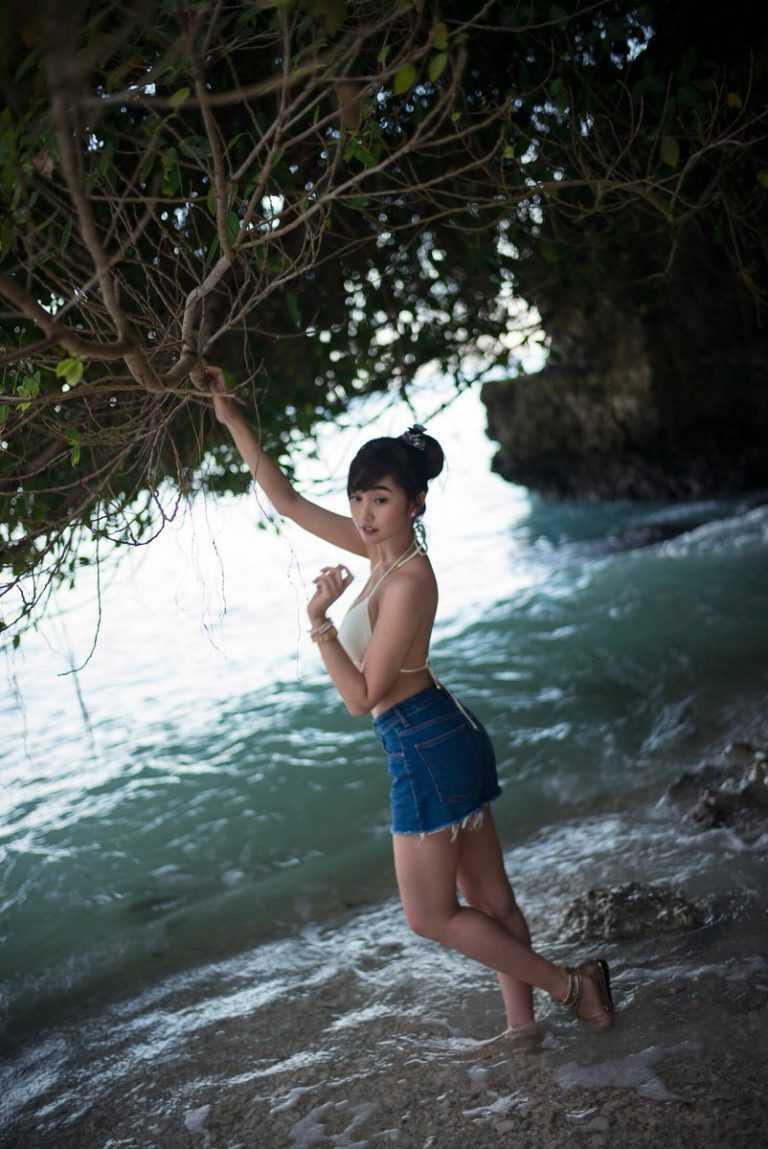 Alodia Gosiengfiao side butt pics
