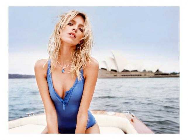 Anja Rubik sexy cleavage pic