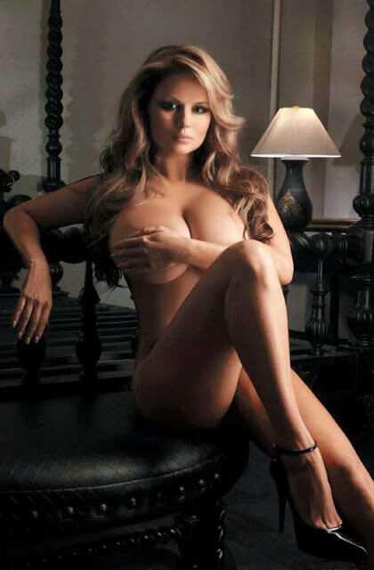 Anna Semenovich boobs pic