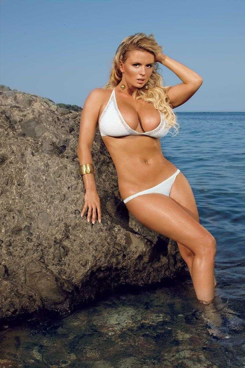 Anna Semenovich sexy tits pic
