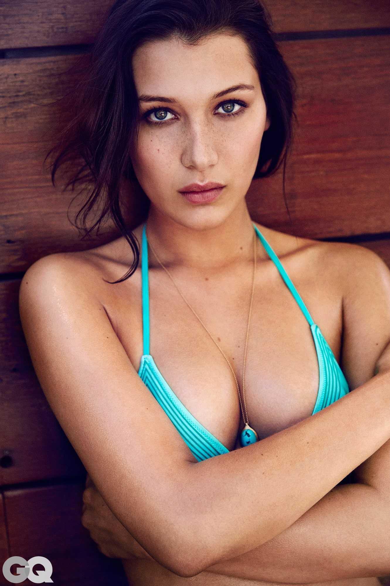 Bella Hadid sexy bikini pic