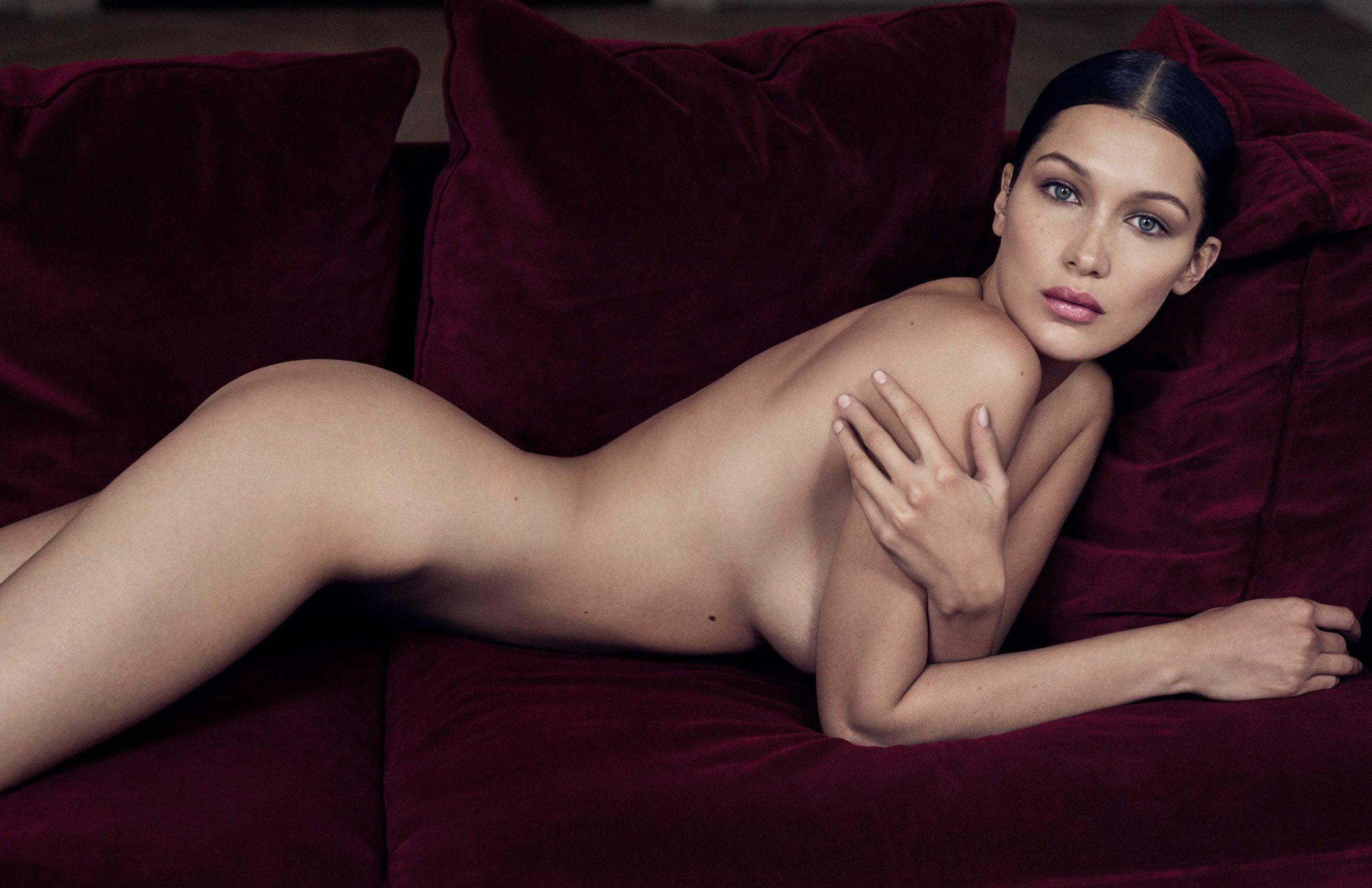 Bella Hadid topless pic