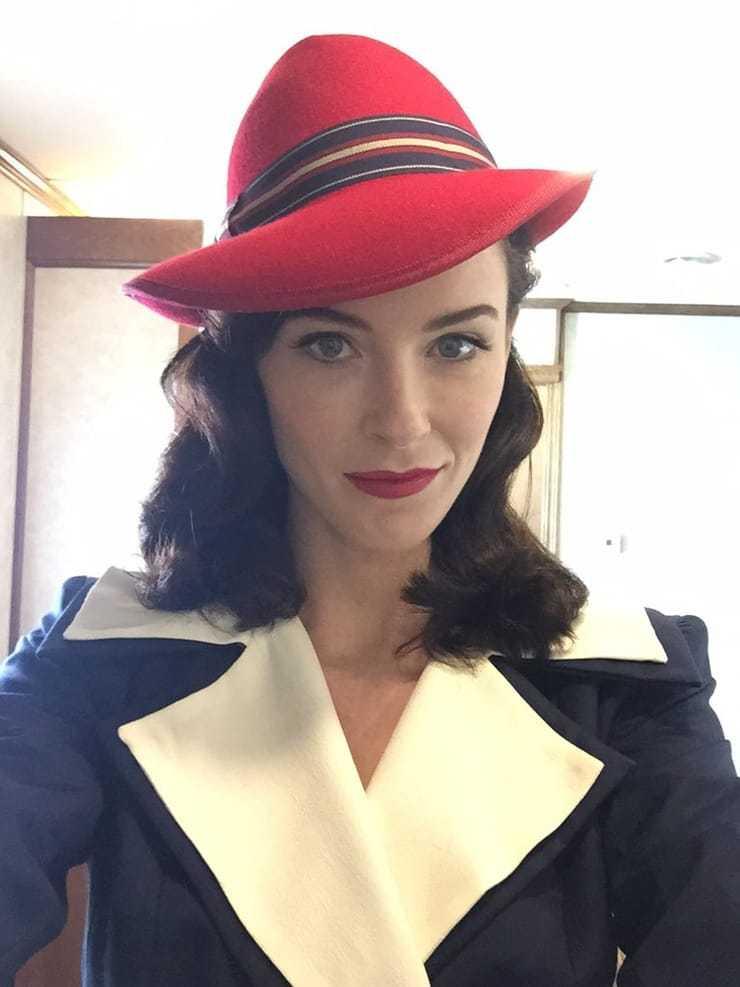 Bridget Regan sexy cleavage (3)