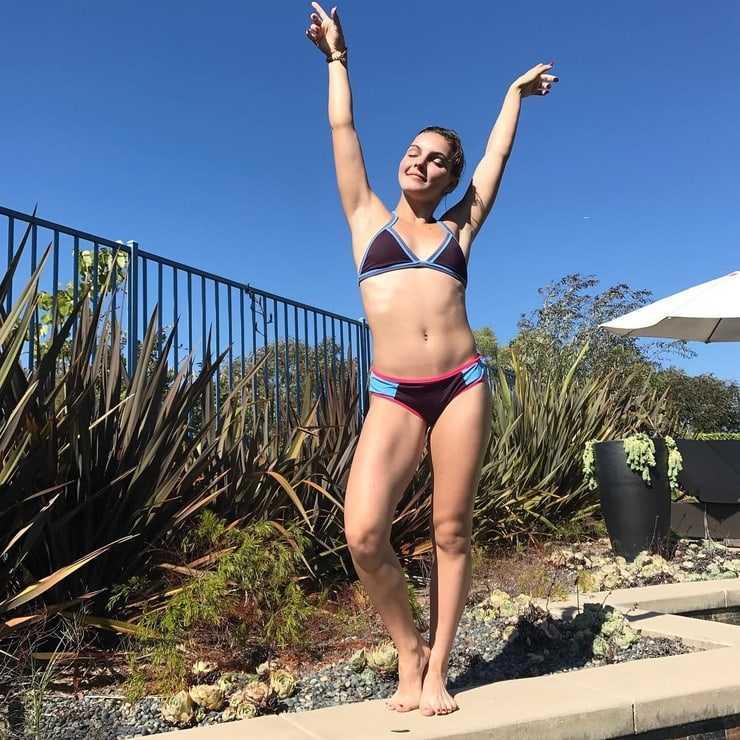 Camren Bicondova bikini