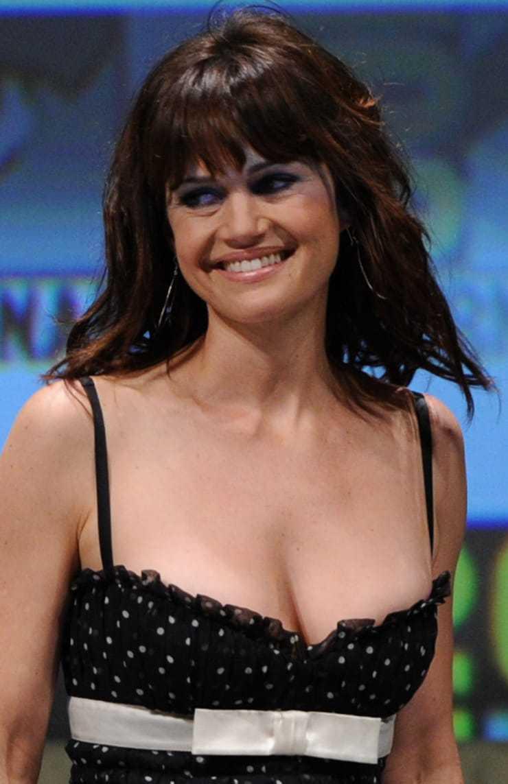 Carla Gugino sexy tits