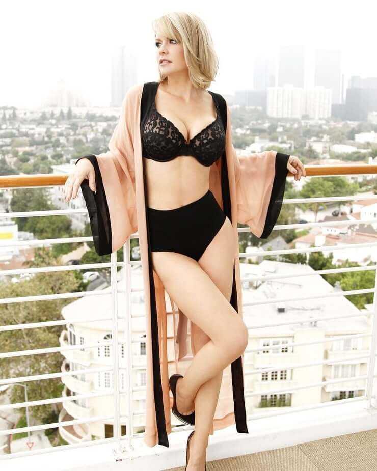 Carrie Keagan hot bikini pic