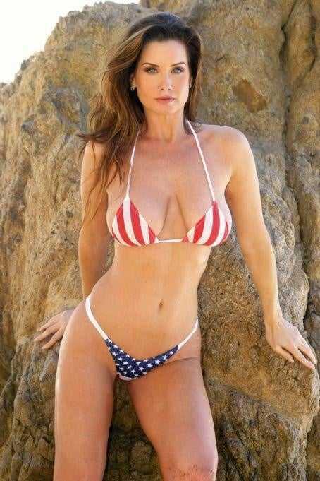 Carrie Stevens hot bikini pic
