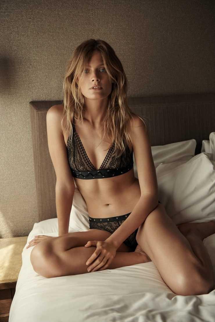 Constance Jablonski hot bikini pic