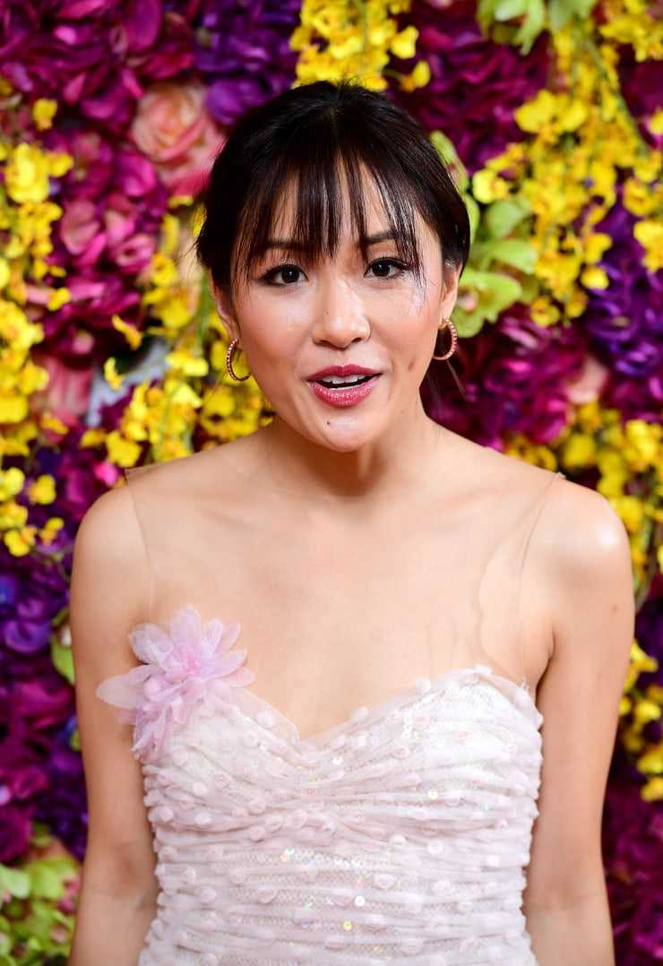 Constance Wu sexy look pic