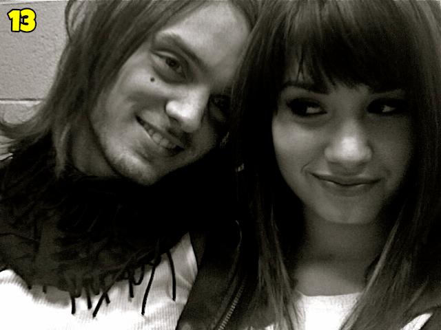 Demi Lovato And Alex DeLeon Dating