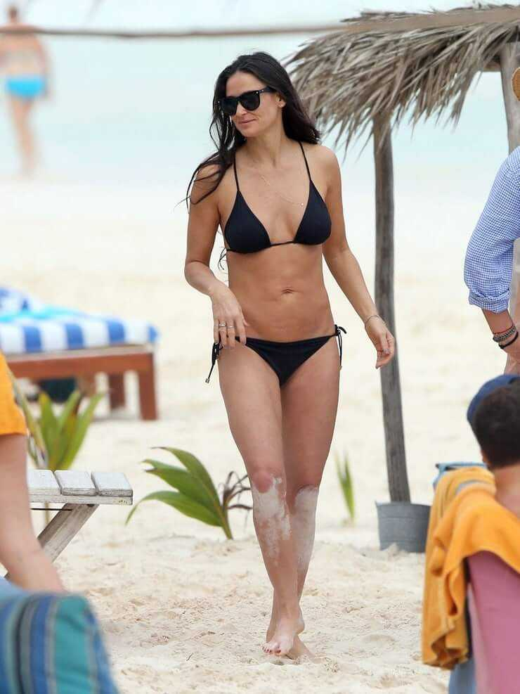 Demi Moore bikini pic