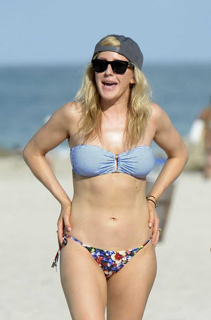 Ellie Goulding bikini pic