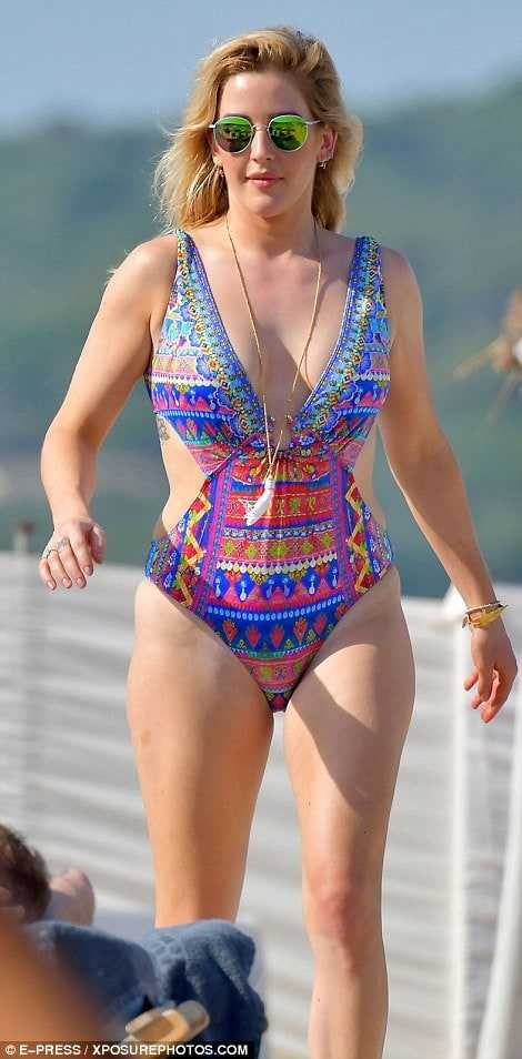 Ellie Goulding stunning