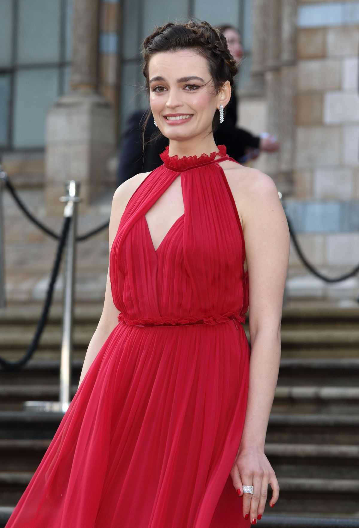Emma Mackey hot red dress pic