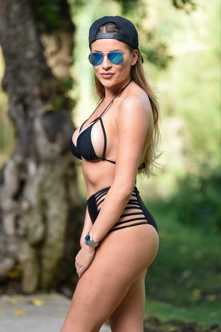 Georgia Kousoulou hot butt pic
