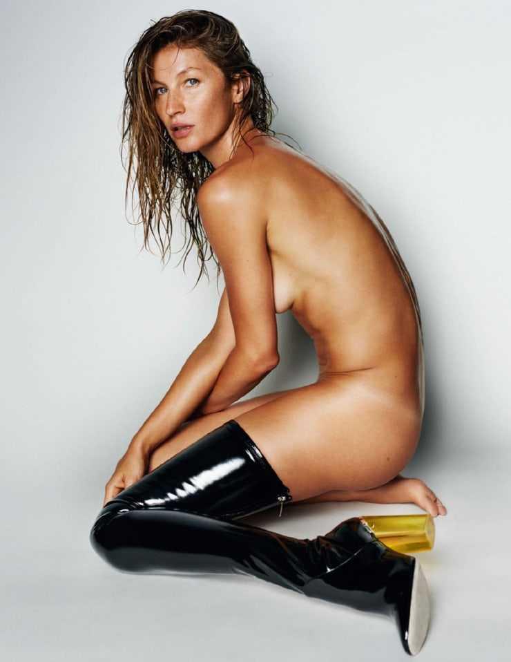 Gisele Bundchen topless pic