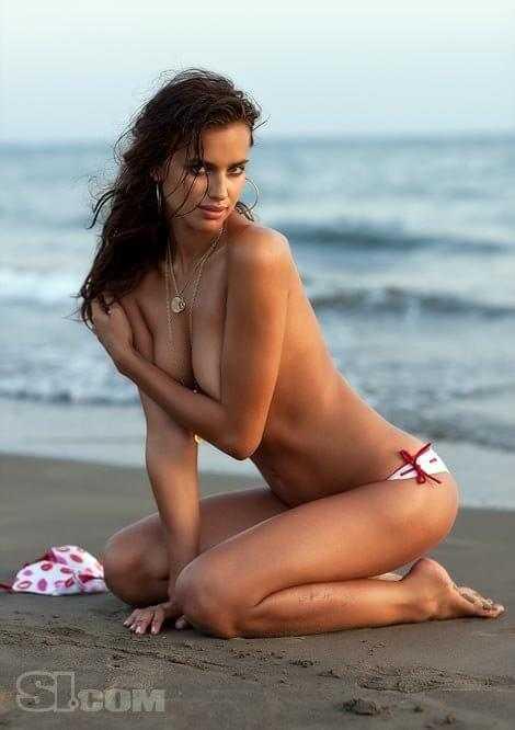 Irina Shayk hot look