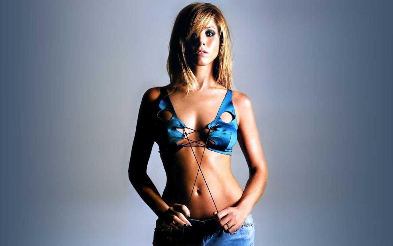 Jennifer Aniston bikini pic