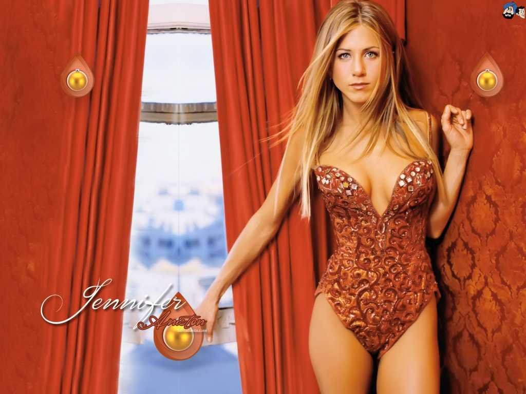 Jennifer Aniston hot tits pic