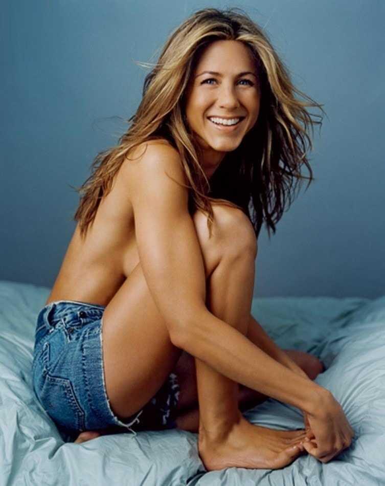 Jennifer Aniston tits pic