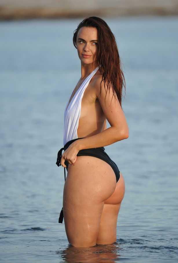 Jennifer Metcalfe hot butt pic