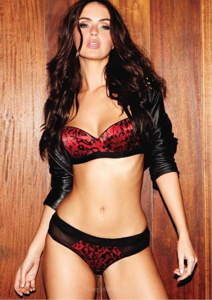 Jennifer Metcalfe sexy tits pic