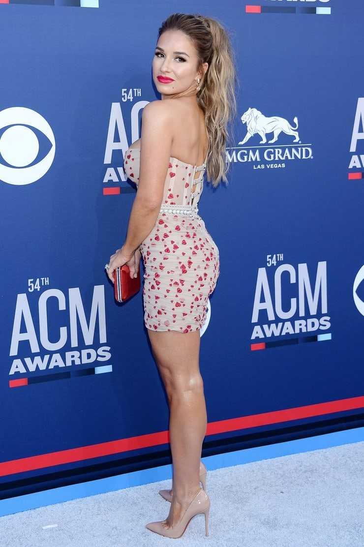 Jessie James Decker booty hot (2)