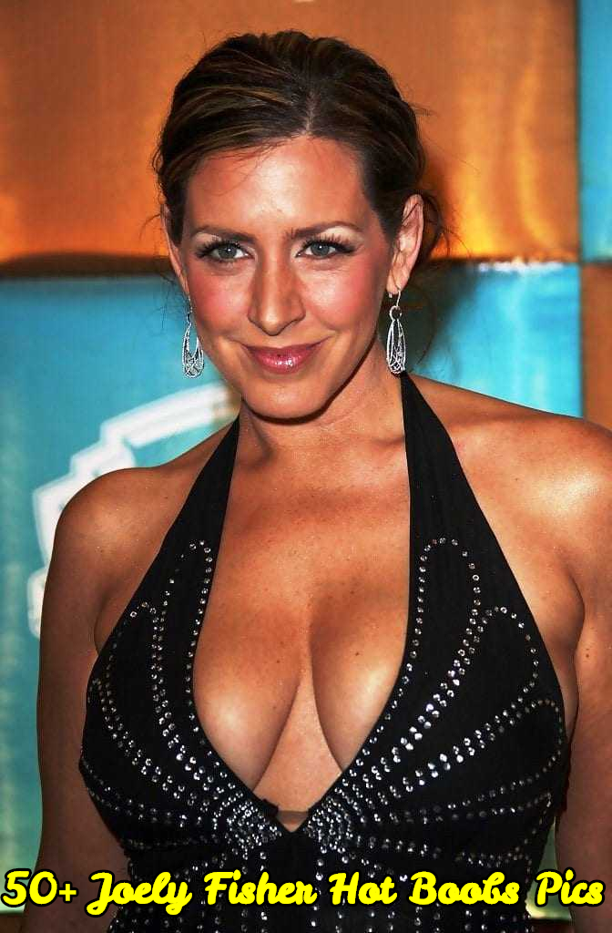 Joely Fisher hot boobs pics