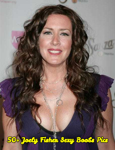 Joely Fisher sexy boobs pics