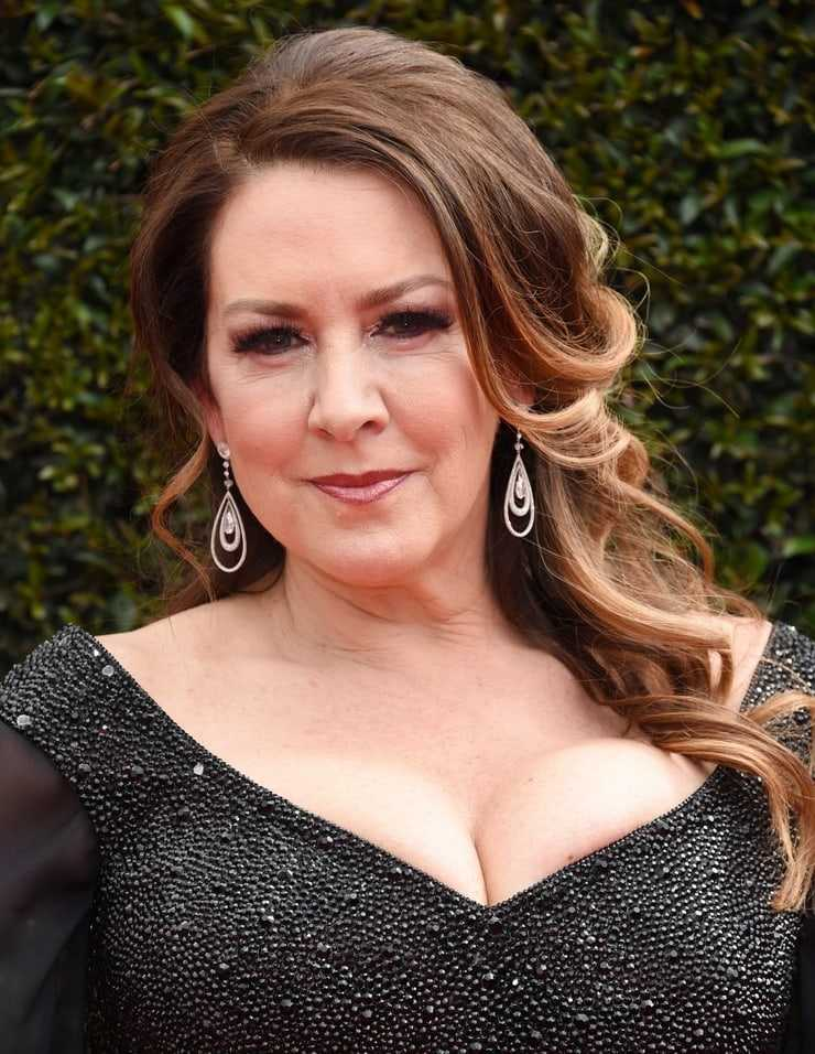 Joely Fisher sexy pic