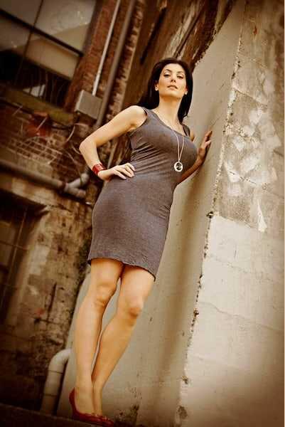 Julia Benson hot legs pic
