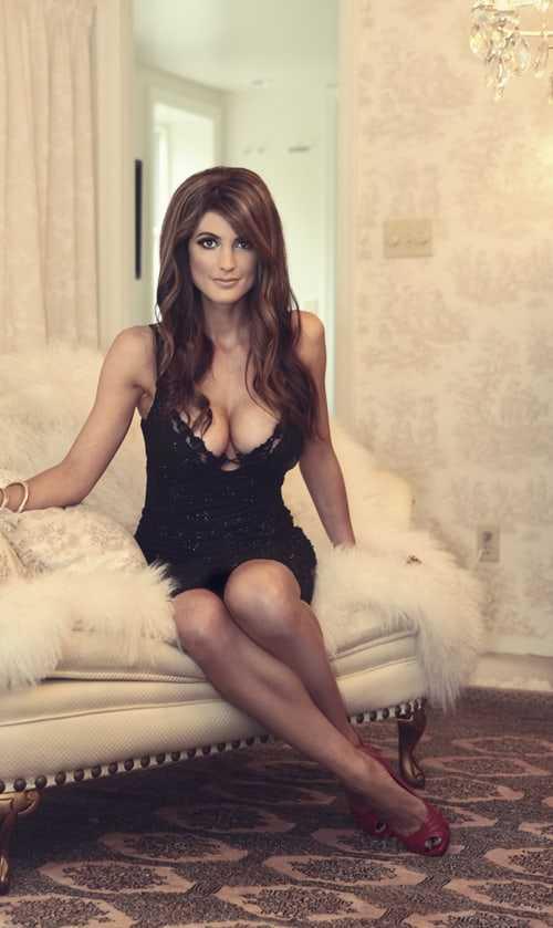 Julia Benson sexy cleavage pic
