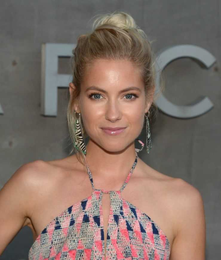 Laura Ramsey aweome pic (2)