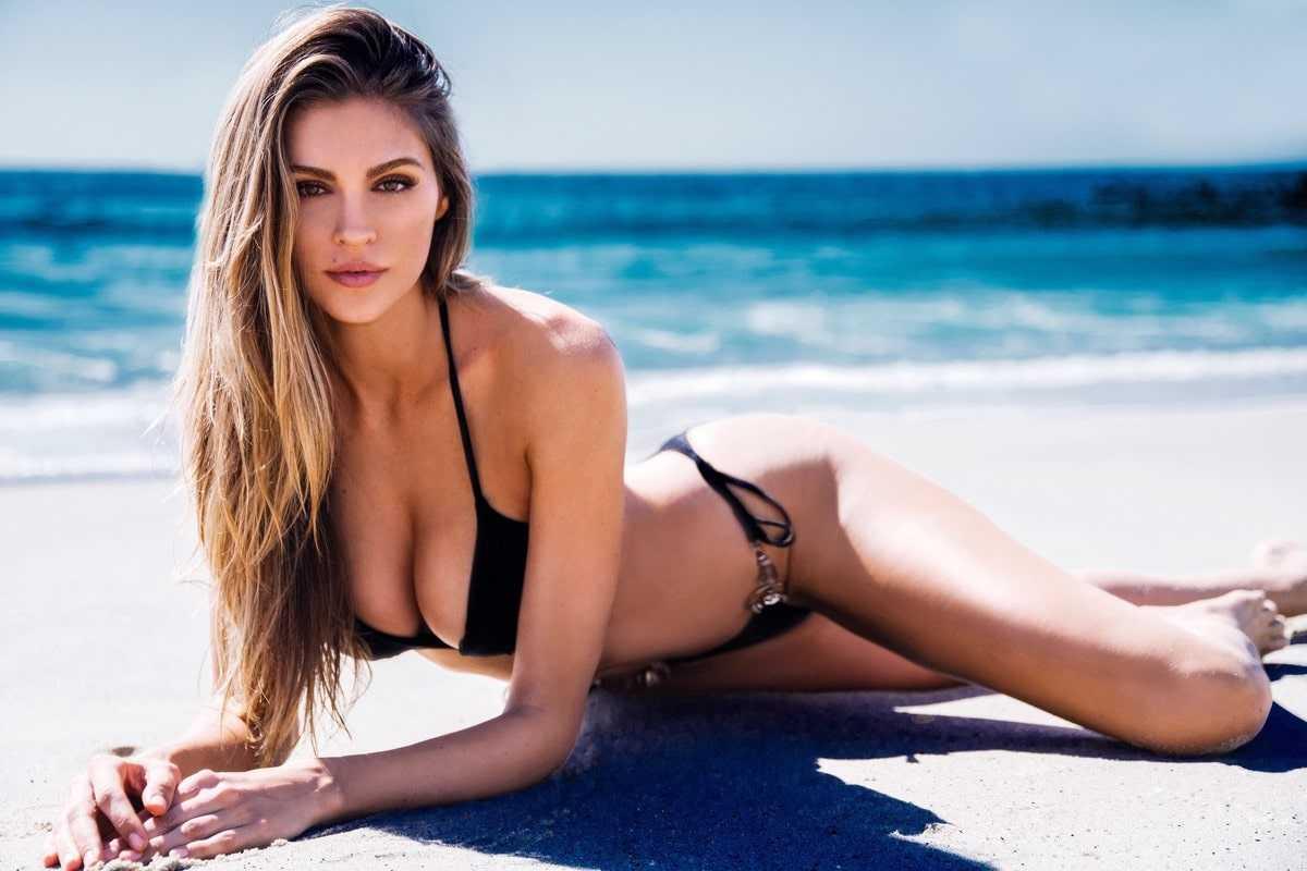 Natalie Pack sexy bikini pic