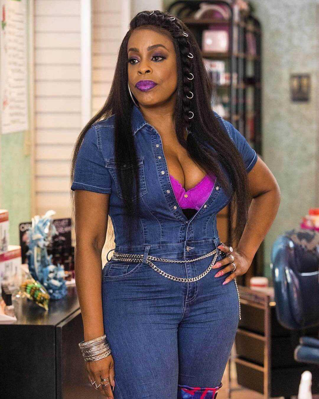 61 Niecy Nash Sexy Pictures Are Gorgeously Attractive - GEEKS ON COFFEE
