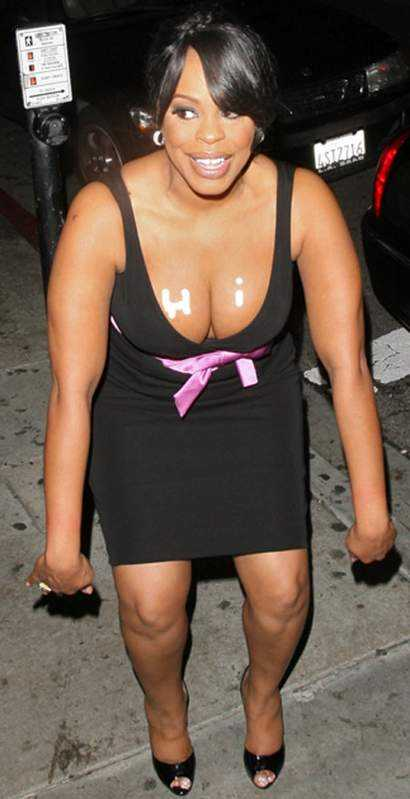 Niecy Nash hot cleavage pic