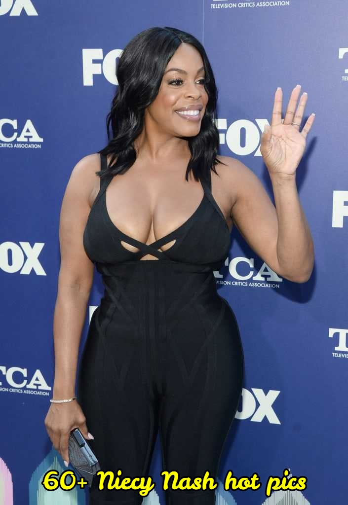 Niecy Nash sexy cleavage pic