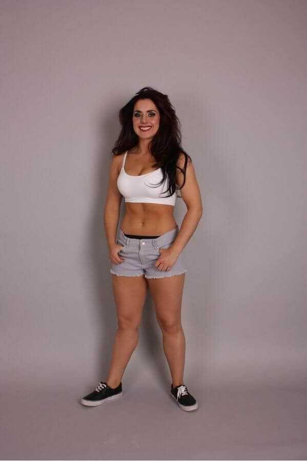 Nikki-Cross-sexy-legs