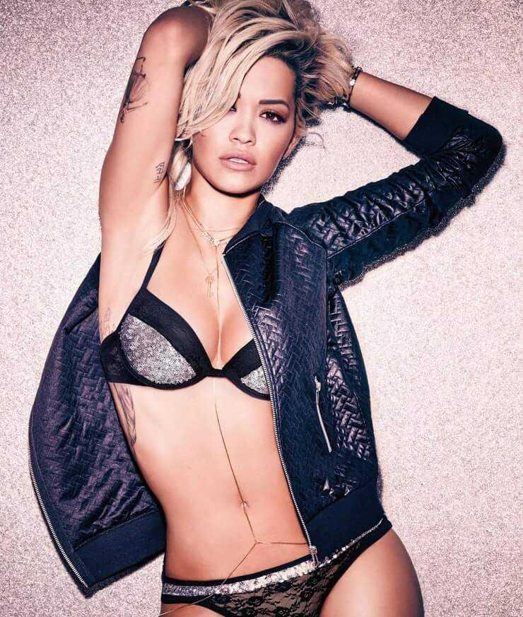 Rita Ora bikini pic