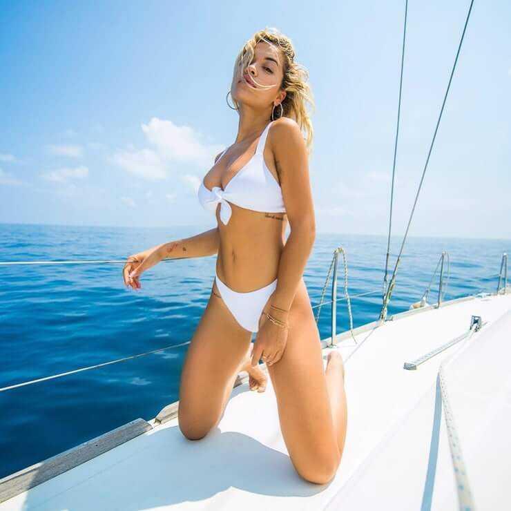 Rita Ora hot bikini pic