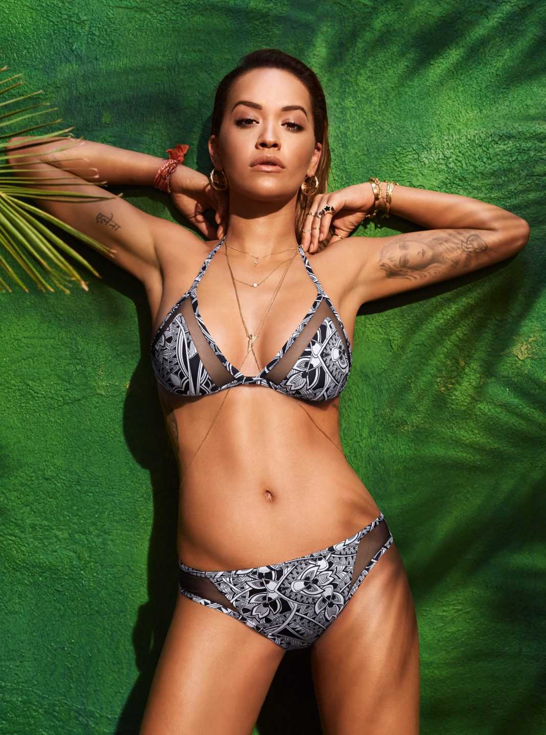 Rita Ora sexy tits pic