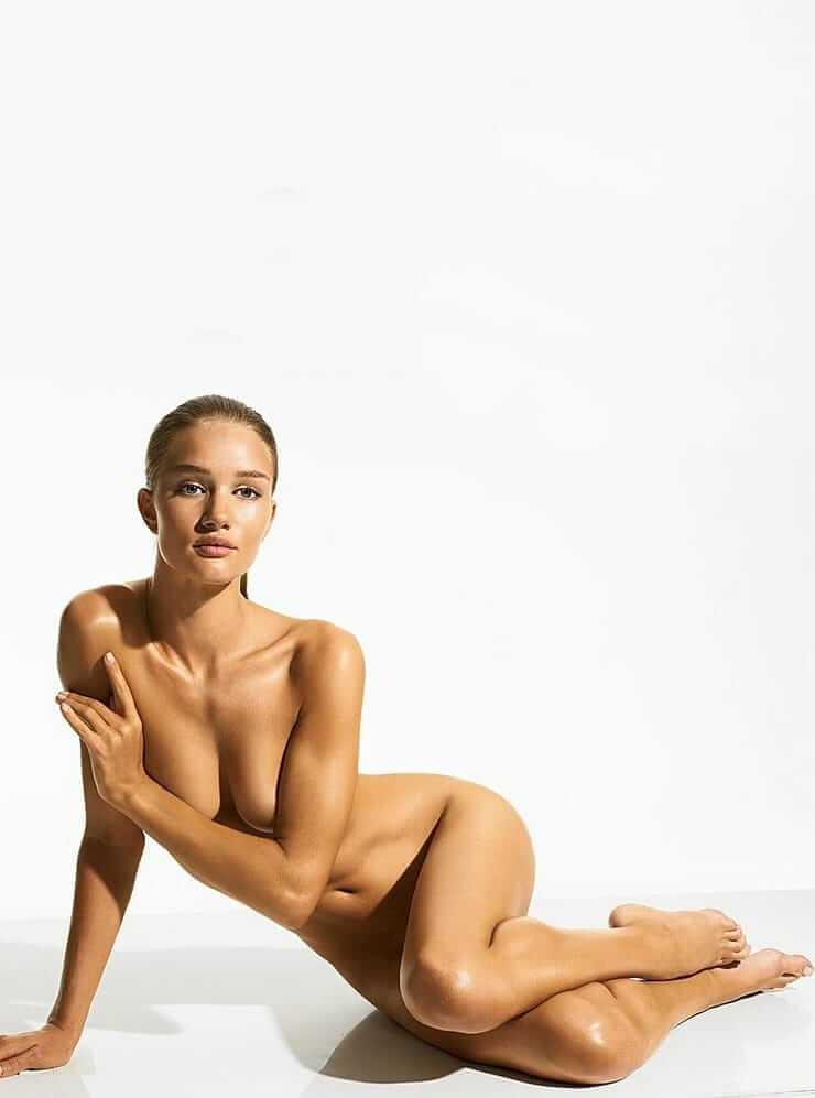 Rosie Huntington-Whiteley boobs pic