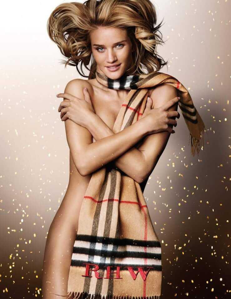 Rosie Huntington-Whiteley sexy tits pic